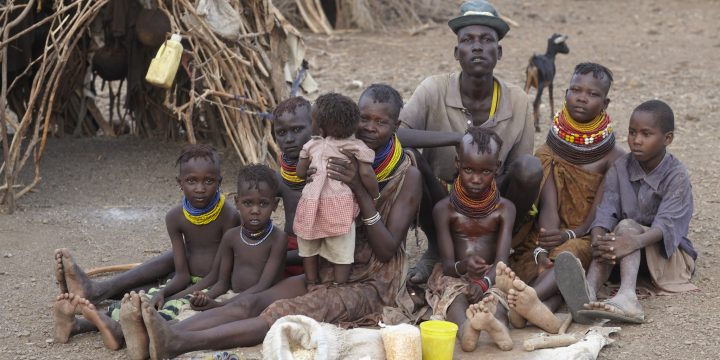 支持捐款機構,關注飢餓兒童問題