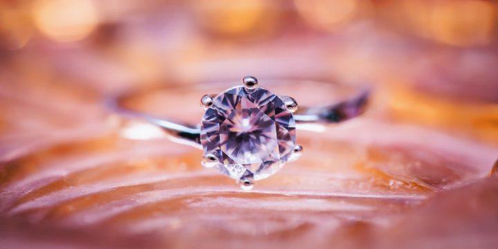 鑽石價格一般多少 訂造鑽戒流程怎麼樣